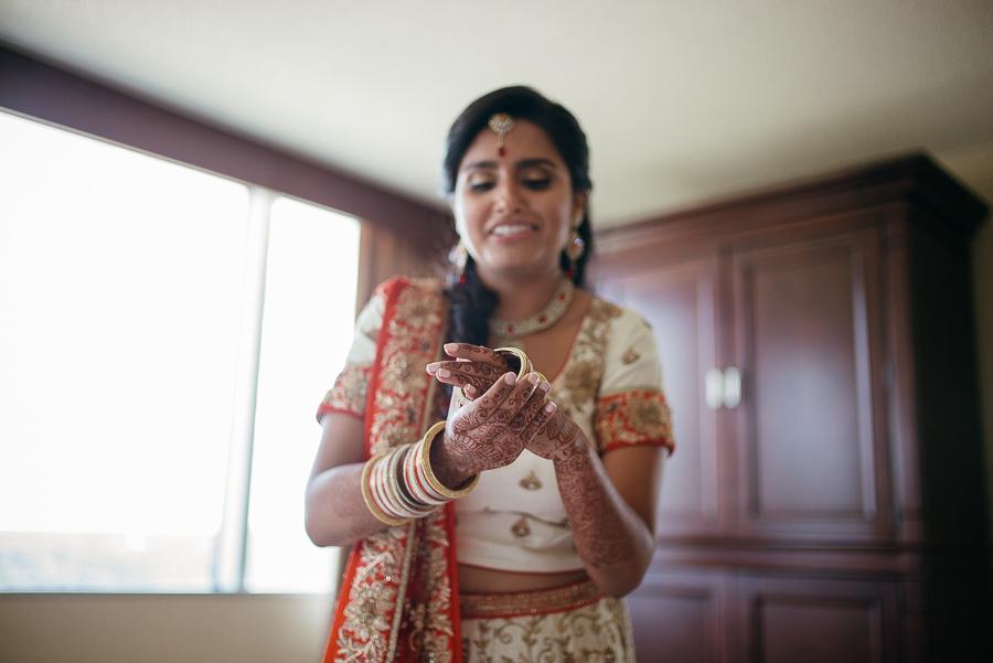 Indian Bride wearing bangles at Sheraton Mahwah Hotel New Jersey