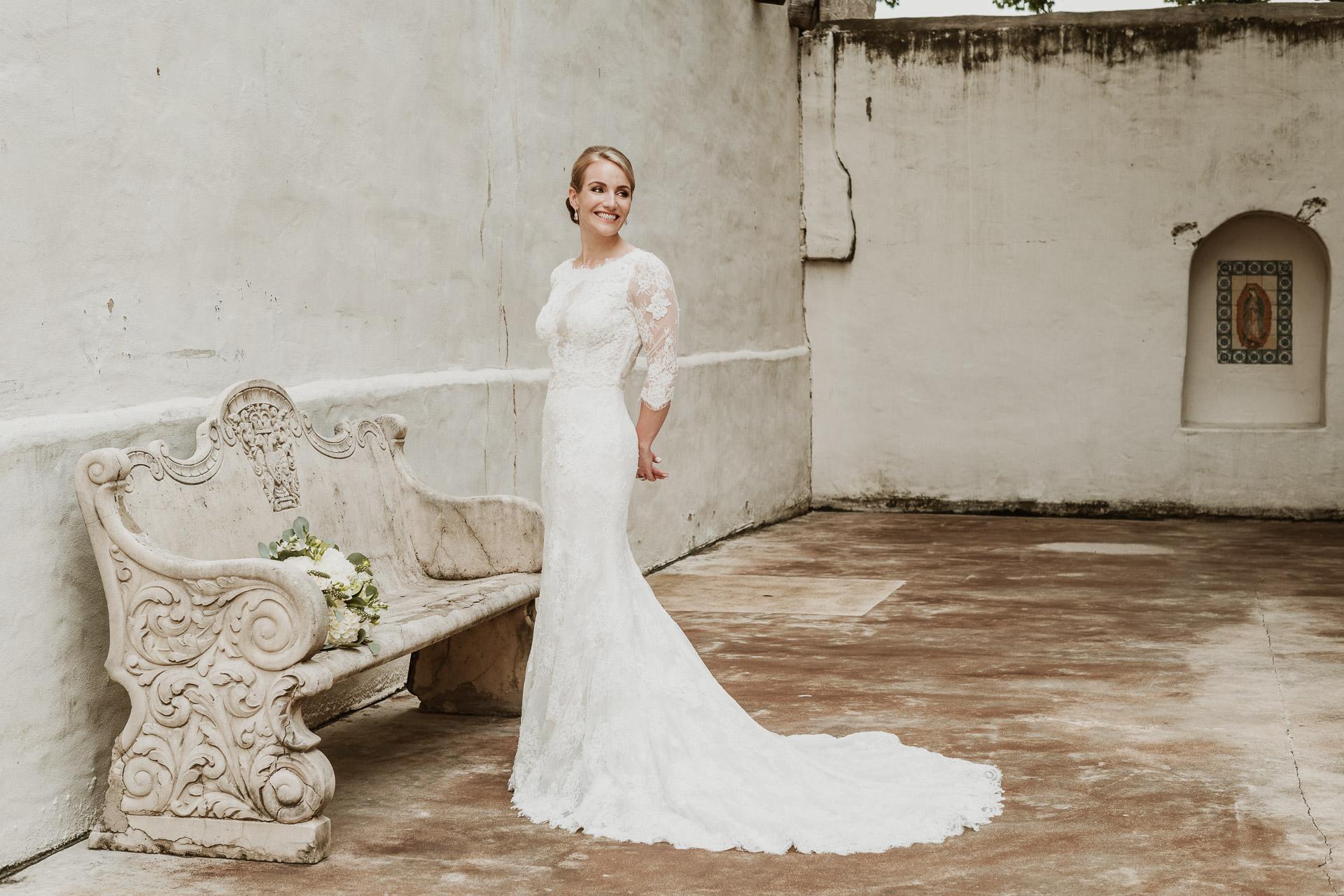 Laura phootgraphed bridal portraits at Spanish Governors Palace San Antonio Texas 0072-L1007449-Edit