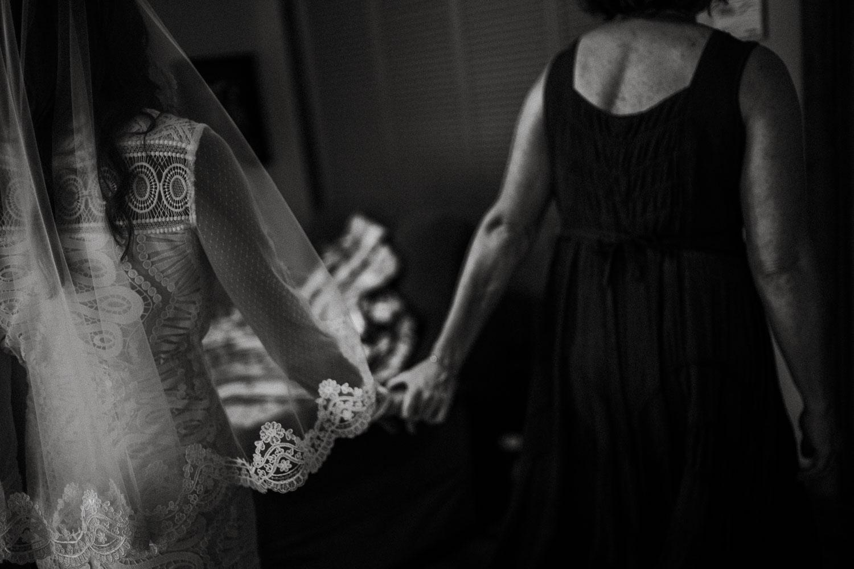 Texas Hill Country Ranch Wedding - Bri + Joe - American girls meets a Brit-Wedding photographer-Philip Thomas-022