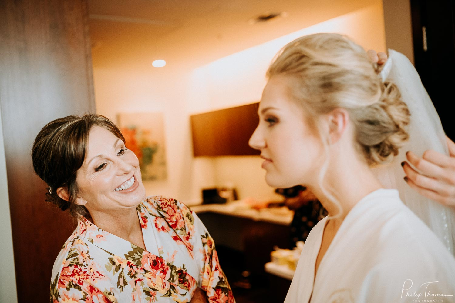 13-The JW Marriott Downtown Houston bride and groom get ready -Philip Thomas Photography