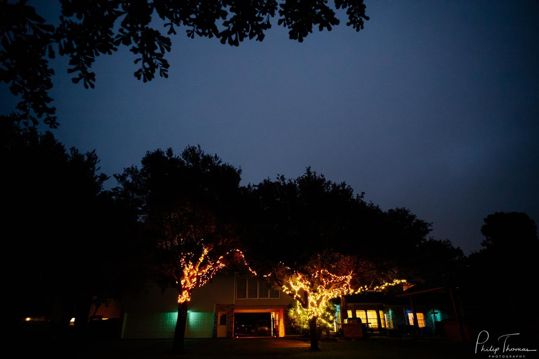 Wedding-reception-at-home-wedding-DIY-in-Katy Texas-Leica-photographer-Philip-Thomas-Photography